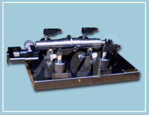 Intermediate shaft - auxiliary box processing hydraulic clamp